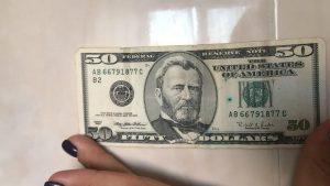 Меняем поврежденные доллары